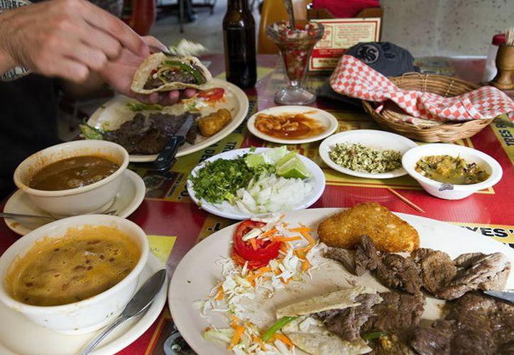 La gastronomía yucateca, entre las favoritas de los visitantes. (Foto: Milenio Novedades)