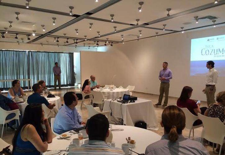 La Dirección de Turismo presentó este lunes al equipo comercial de Grupo Posadas los atractivos que hay en Cozumel. (Cortesía)