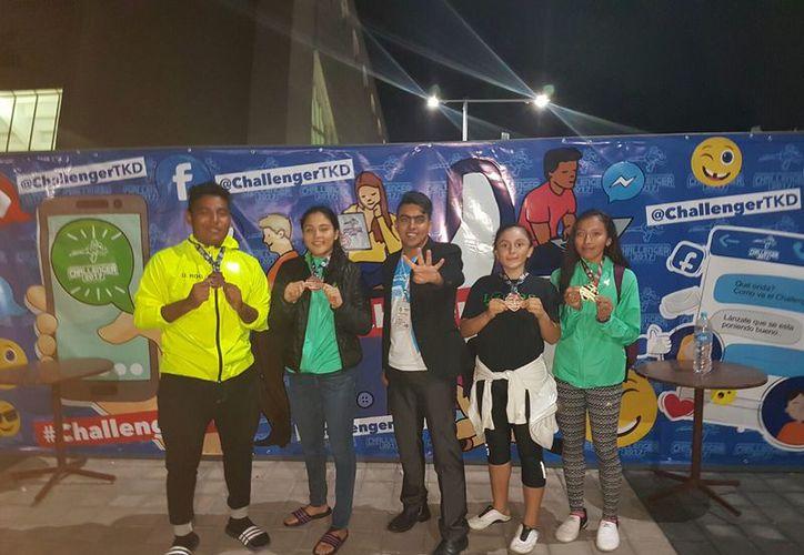 La selección Lobos Kinik ganaron medallas de oro y bronce. (Raúl Caballero/SIPSE)