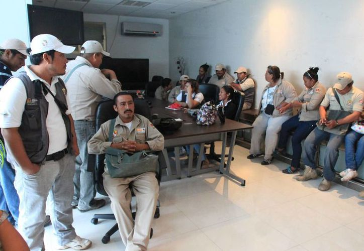 Autoridades dotarán ademas de uniformes y botas a una parte de los trabajadores de contrato de vectores. (Redacción/SIPSE)