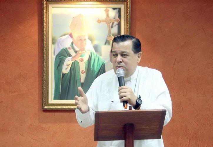 Mons. Rodríguez Vega celebrará este sábado los 35 años de su ordenación sacerdotal. (SIPSE)