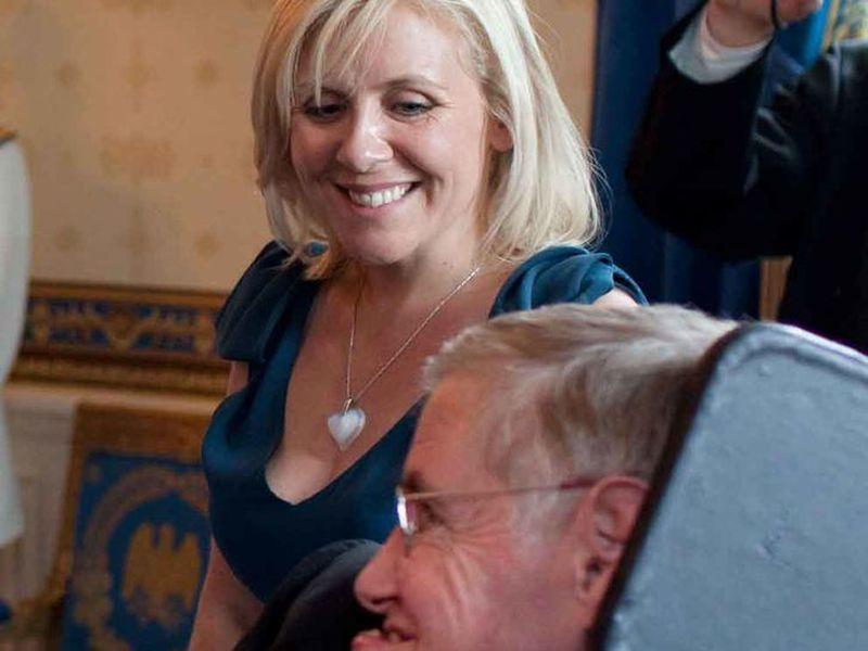 Stepehn Hawking con su hija Lucy durante una recepción ofrecida por el presidente Barack Obama.