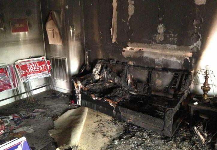 El ataque a la oficina republicana sucedió en un territorio abrumadoramente demócrata. (AP/Jonathan Drew)