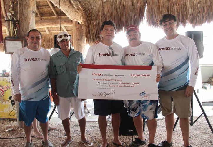 La embarcación campeona de la tercera edición del Torneo de Pesca Invex Banco fue 'Nautilús', de Alfonso Castro Cruz. (SIPSE)