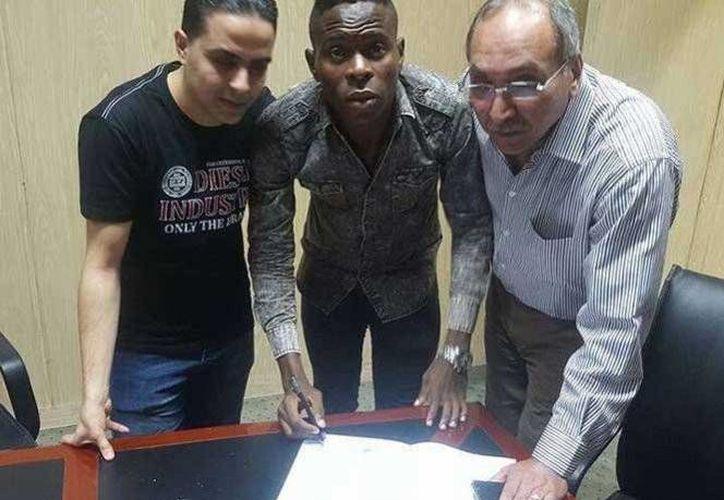 El futbolista de 21 años forma parte de la selección mayor de Camerún.(Foto tomada de Al Ittihad)