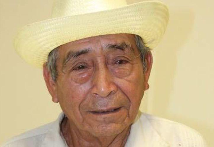 Don Roberto recibió de manera oportuna su medicamento y dijo que se encuentra muy agradecido por la atención que le brindaron. (Redacción/SIPSE)