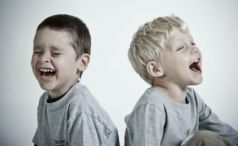 La sencilla acción de reír, permite la relajación, baja la presión arterial y contribuye a mejorar las defensas de las personas. [Foto: Pixabay]