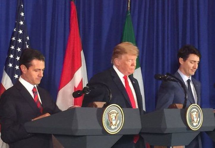 El primer ministro canadiense Justin Trudeau aprovechó la ocasión para pedir a Trump el retiro de los aranceles. (Forbes)