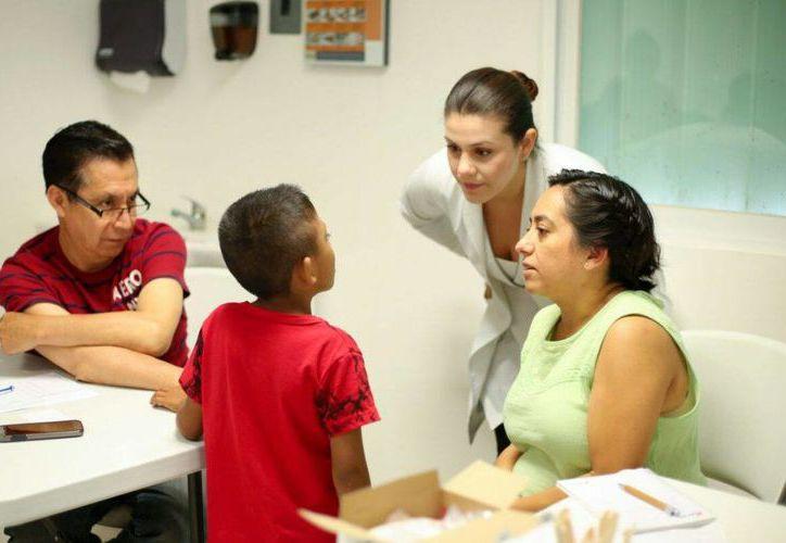 La cirugía y valoración corrió a cargo de médicos de la Asociación Mexicana de Labio y Paladar Hendido. (Joel Zamora/SIPSE)