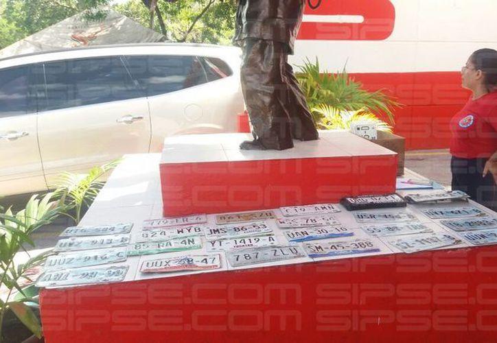En la Estación de Bomberos en Cancún se entregarán las placas a los dueños. (Foto: Javier Brito/Sipse Noticias)