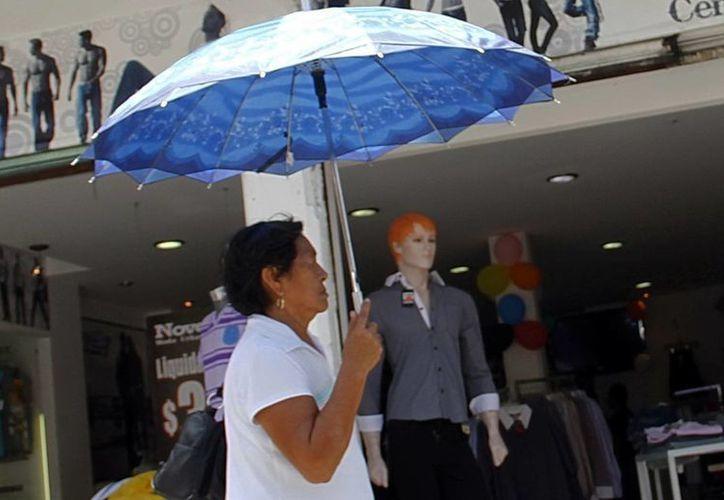 Para hoy se espera que las condiciones del clima sean de mucho calor. (Juan Albornoz/SIPSE)