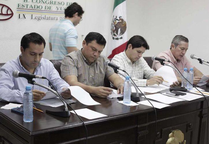 Diputados del PAN durante la sesión de este lunes. (SIPSE)