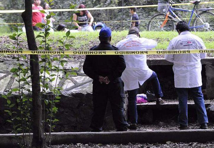 Tras escuchar el diagnóstico, los policías acordonaron el lugar y solicitaron la presencia de agentes del Ministerio Público. (Quadrantín)