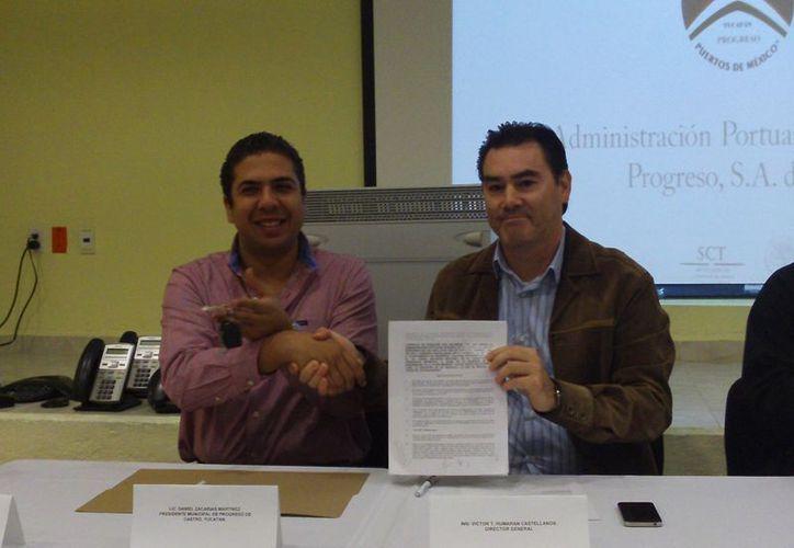 El ayuntamiento de Progreso recibió una camioneta Escosport en calidad de donación por parte dela API. (Manuel Pool/SIPSE)