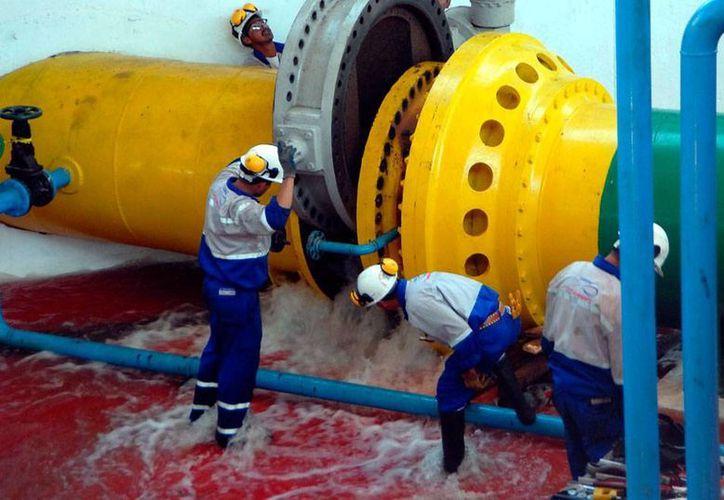 De acuerdo con el Gobierno de México, en el país hay 35 millones de personas que padecen escasez de agua, por lo que ya se habla incluso de proyectos para desalinizar el agua de mar. Imagen del sistema Cutzmala, utilizada con fines únicamente ilustrativos. (Archivo/NTX)