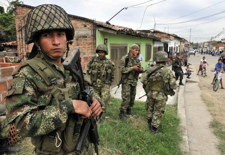 En las últimas semanas, se han intensificado las acciones atribuidas a las FARC en el sur de Colombia. (EFE)