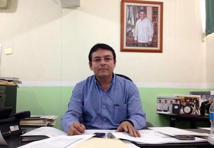 Mario Novelo Ayuso, director de Educación Secundaria del Gobierno del Estado, garantizó el cupo a aspirantes al nivel secundaria. (SIPSE)