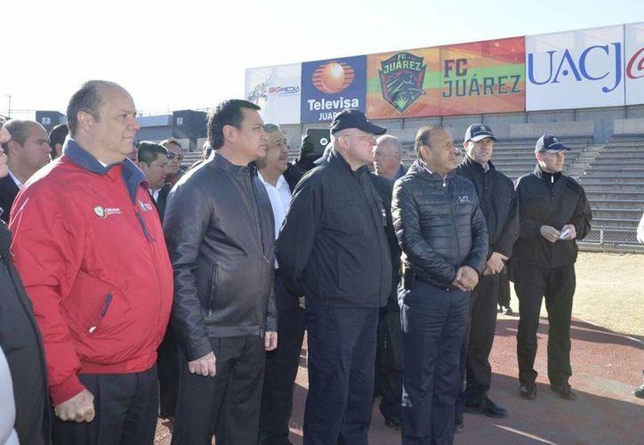 Este miércoles, Miguel Ángel Osorio Chong recorrió las instalaciones donde encabezará actos masivos el papa Francisco durante su estancia en Ciudad Juárez, Chihuahua. (Notimex)