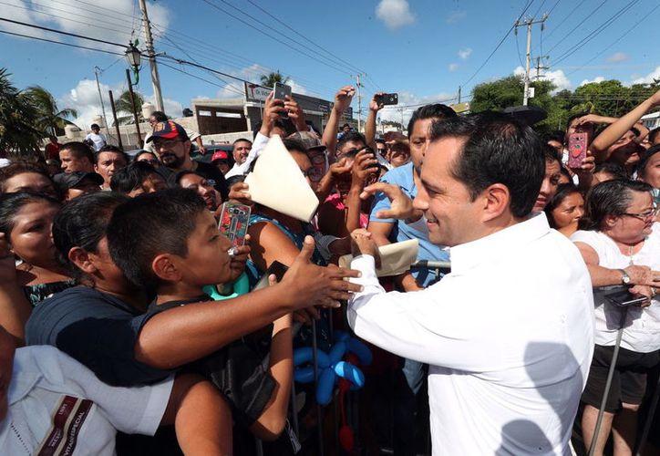 El gobernador Mauricio Vila Dosal dio a conocer el plan para fortalecer la apicultura en Yucatán. (Novedades Yucatán)
