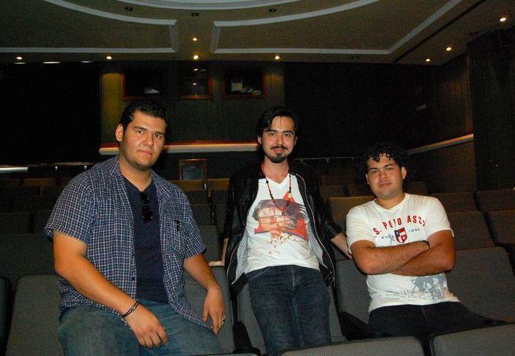 Jóvenes directores de cine de Yucatán, en conferencia de prensa. (José Argüelles/SIPSE)