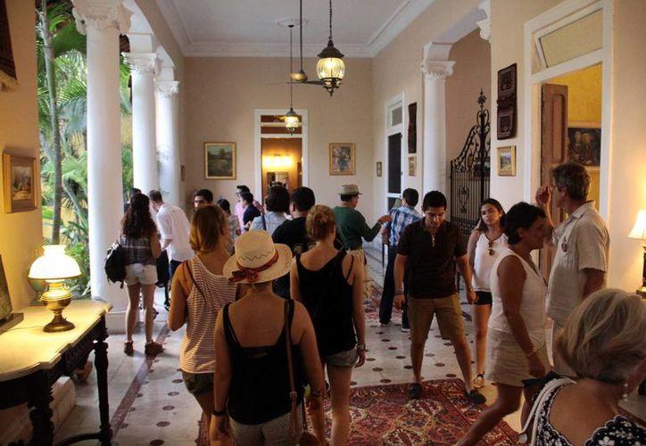La visita fue autoguiada y se contó con la colaboración de los propietarios de las casas que participaron en el evento. (Milenio Novedades)