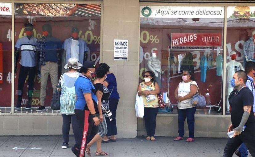 Los negocios en el Centro Histórico apenas registran ventas de un 15 por ciento y algunos con hasta un 40 por ciento. (Novedades Yucatán)