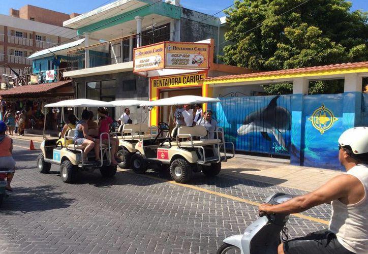 En temporadas vacacionales aumenta la circulación de estos vehículos. (Teresa Pérez/SIPSE)