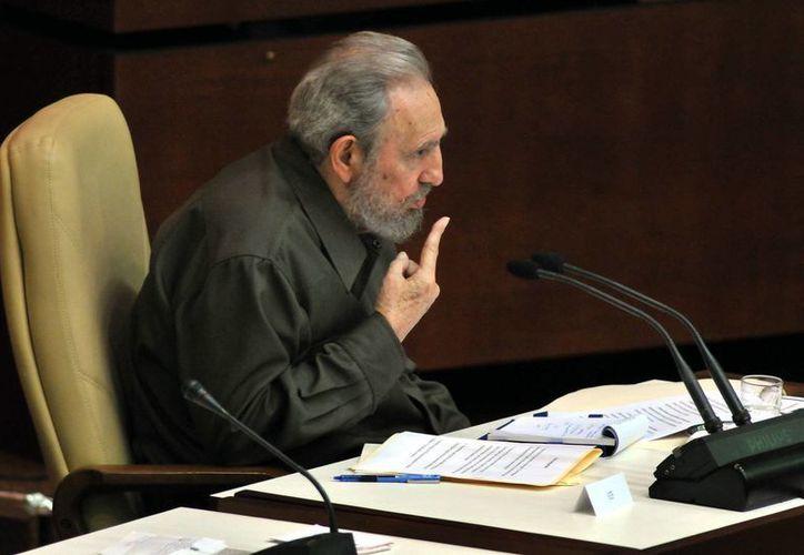El expresidente cubano Fidel Castro recibió el título de doctor honoris causa de una Universidad boliviana. (EFE)