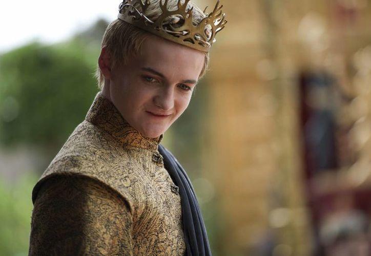 Toda la tensión en 'Game of Thrones' se ve acrecentada por el desapego del autor de la saga literaria por sus protagonistas, a los que va matando uno a uno sin respeto alguno por las leyes de la narración. (EFE)
