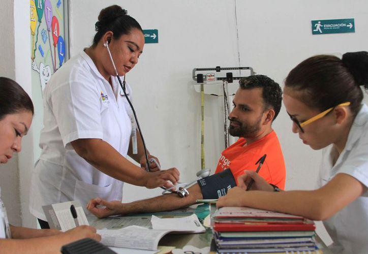 La Sesa destina al año hasta 200 millones de pesos para el combate del mosquito aedes aegypti, en Quintana Roo. (Joel Zamora/SIPSE)