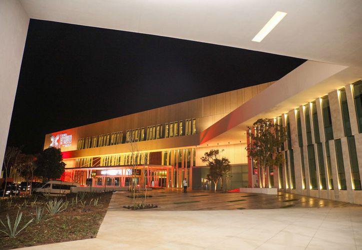 La Sefotur firma contratos y lleva a cabo la venta de eventos en el CIC. (Milenio Novedades)
