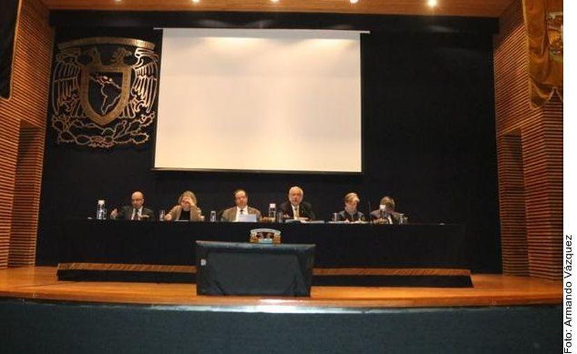 El Consejo Universitario avaló la creación de la carrera Ingeniería aeroespacial. (Foto: Reforma).