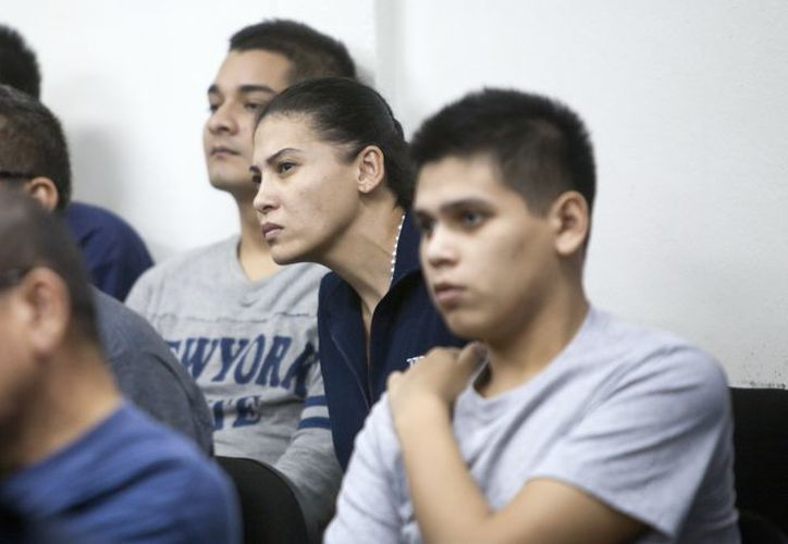 Imagen de archivo de Raquel Alatorre Correa (c), identificada como la líder del grupo de los 18 mexicanos detenidos. (EFE)