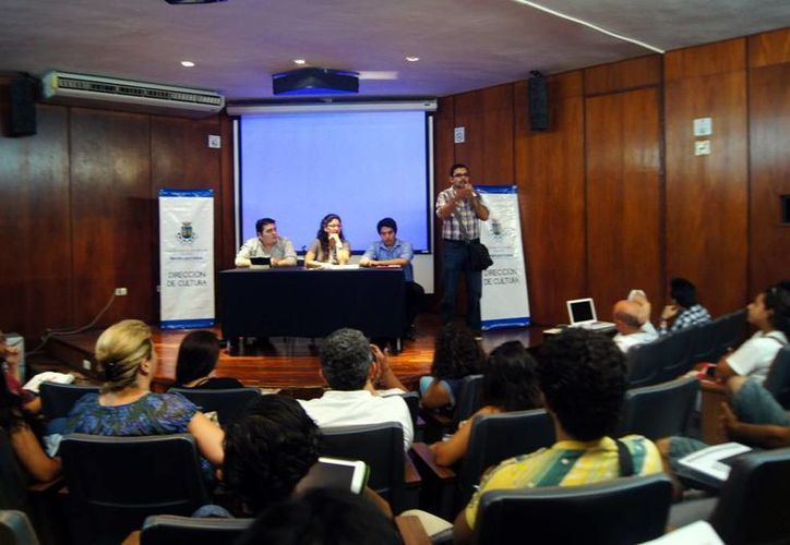 Imagen de la conferencia de prensa donde informaron acerca del proyecto como iniciativa del Ayuntamiento de Mérida. (Milenio Novedades)