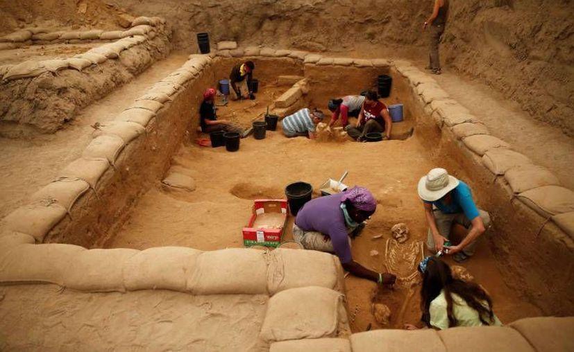 Las excavaciones del primer cementerio filisteo del que se tiene conocimiento tardaron cerca de 30 años. (Imágenes tomadas de RT)