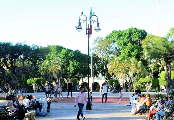 Este domingo se esperan altas temperaturas en Yucatán, aunque no se descarta la posibilidad de lluvias. (Daniel Sandoval/SIPSE)