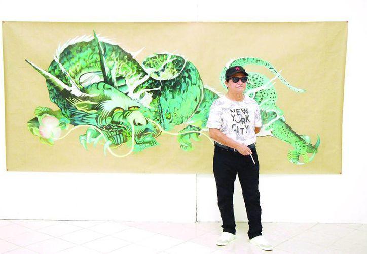 El pintor José Luis Loría prepara la exposición <i> Dragones mayas y aztecas</i>, la cual presentará en octubre próximo, en el Macay (SIPSE)