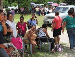 Filas interminables y mucho sol azotan a votantes yucatecos