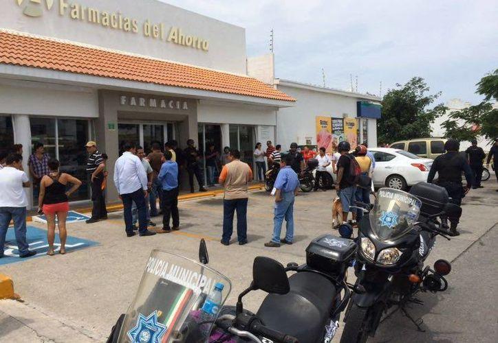 Esta tarde se reportó una riña por presunta compra de votos en una farmacia de Playa del Carmen. (Redacción/SIPSE)
