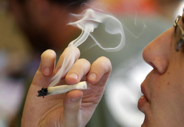 La Presidencia de la República destaca en su página web que se debe combatir el tráfico de drogas, pero también ofrecer alternativas a los adictos. (AP/archivos)