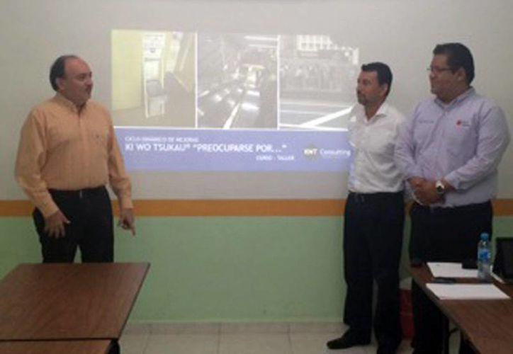 El curso de profesionalización a la Dirección de Innovación perteneciente a la Secretaría de Finanzas también fue impartido para estudiantes de la UTC. (Milenio Novedades)