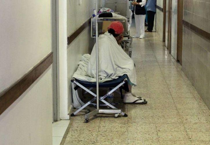 Los pacientes que son hospitalizados adquieren bacterias del lugar. (Luis Soto/SIPSE)