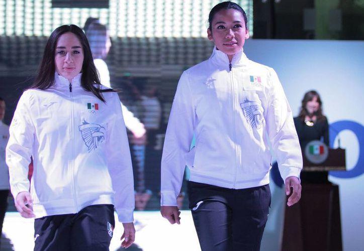 Los atletas olímpicos mexicanos vestirán en Rio 2016 uniformes de alta tecnología, sin distintivos culturales y solo los tres colores nacionales. (Notimex)