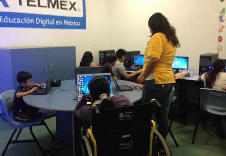 Las clases de computación les permite a los niños obtener habilidades y destrezas. (Jesús Tijerina/SIPSE)
