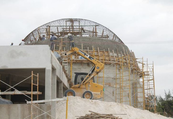 La cúpula de aluminio tendrá una dimensión de 360 por 180 grados, con un sonido de 5.1. (Jesús Tijerina/SIPSE)
