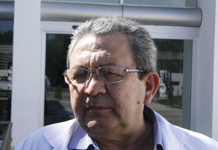 Arturo Alfaro Palma dijo que los pseudo-galenos son de origen extranjeros. (Octavio Martínez/SIPSE)