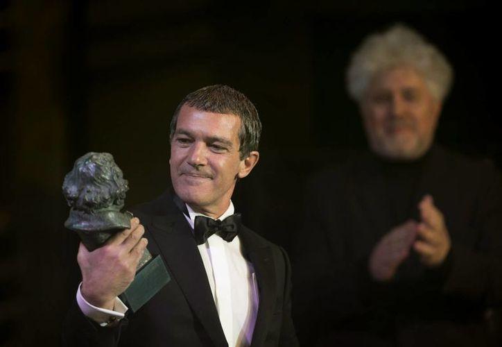Antonio Banderas dedicó el Goya de Honor a su hija Stella. (AP)