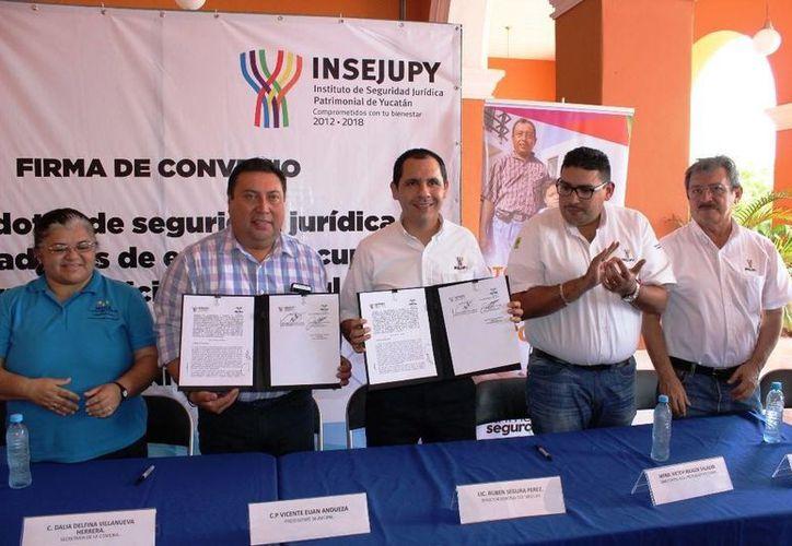 Autoridades de Temax, Teya y Motul firmaron un acuerdo con el Gobierno Estatal en base al programa Patrimonio Seguro. (Foto cortesía del Gobierno de Yucatán