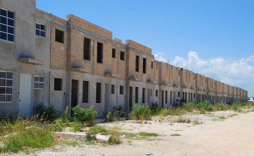 Antes de la crisis de 2008, al año en promedio se llegaron a construir más de 700 mil unidades: Carlos Serrano. (SIPSE/Foto de contexto)