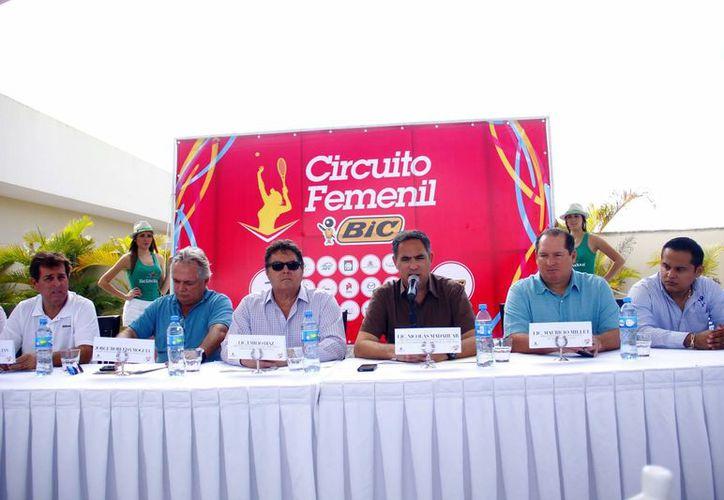 Los organizadores y promotores del Circuito Femenil de tenis esperan un torneo de gran calidad. (SIPSE)